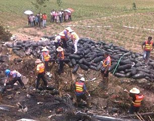 随岳高速湖北毛嘴段车祸23人死亡图片