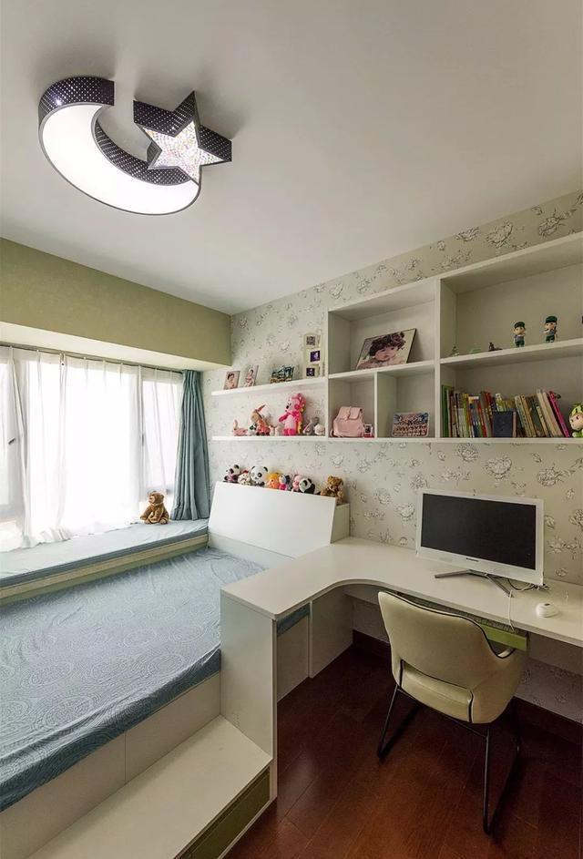 书桌 书架 榻榻米书房这样装 实用漂亮!