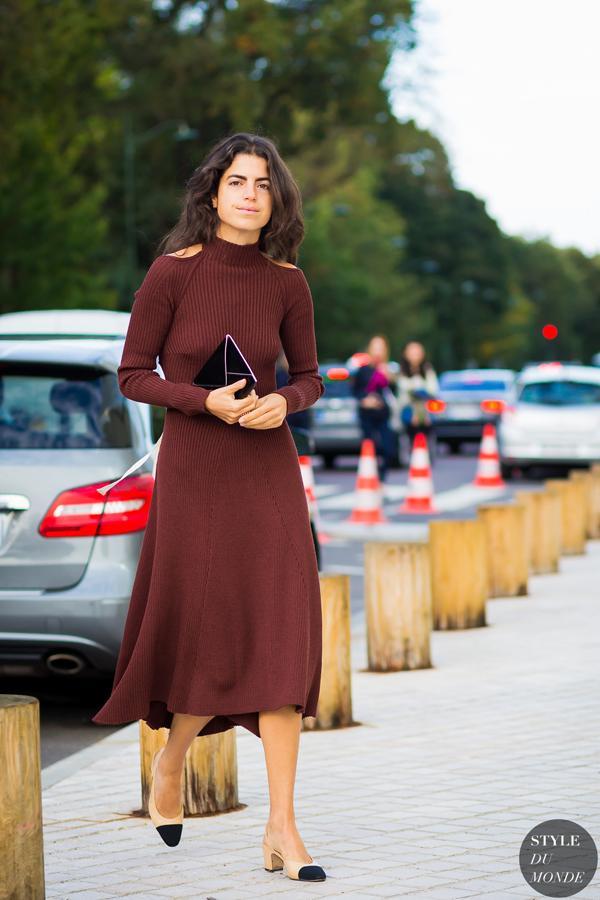 凸显腰身的针织裙更添优雅女人味。
