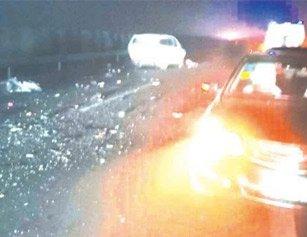 湖北高速突发惨烈交通事故 现场2死3伤