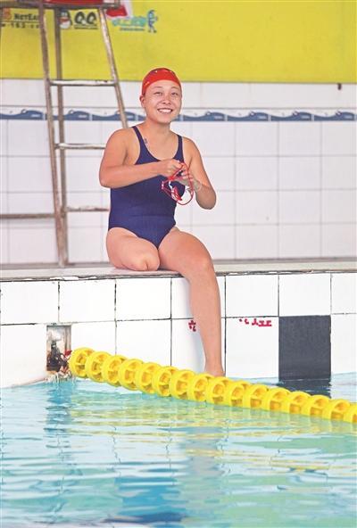 宜昌独腿女将大赛上夺银 12岁只身离家学习游泳
