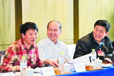 多位省政协委员建言:武汉应有更多斗鱼、周黑鸭