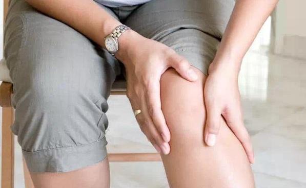 """专家:下肢静脉曲张""""炸筋腿""""早排早轻松"""
