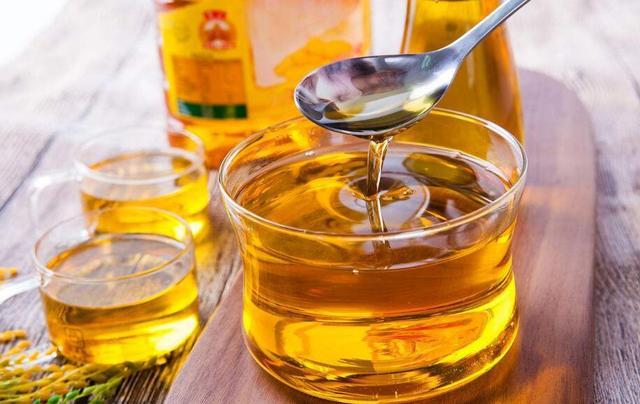 做菜用什么油最健康?为了家人你必须知道