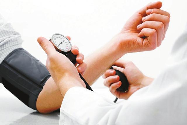高血压等低龄化明显专家主张合理膳食