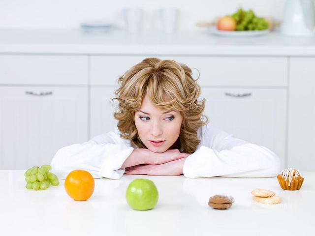 """""""过午不食""""不可取 对肠胃危害尤其大"""