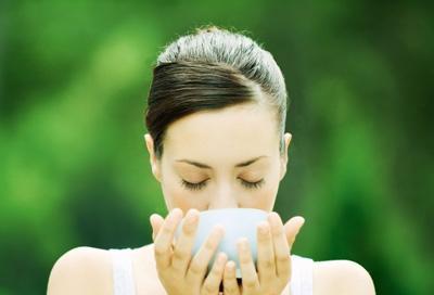 汤汤水水补身体元气 早喝水午喝汤睡前喝蜜