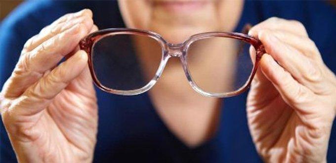 年轻时近视,年老后不用戴老花镜吗?</