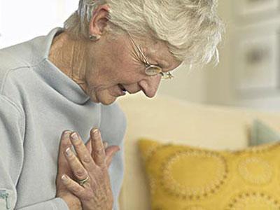 饭后心绞痛当心是冠心病 4种体质要防范