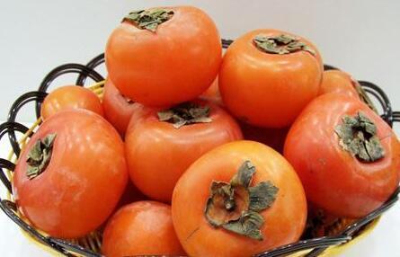 哺乳期妈妈吃柿子需警惕的事情