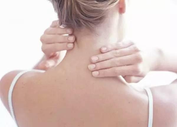 颈椎是百病之源 预防颈椎病多做这5个动作