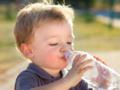 0-1岁宝宝夏季补水要防水中毒
