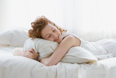 梦到掉入无底深渊? 睡眠的正常现象!