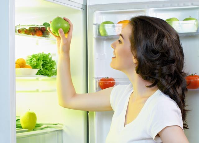 """冰箱不是保险箱!警惕""""冰箱性肠胃炎"""""""