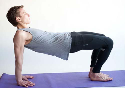 男人經常練瑜伽身體就會有這6個變化!