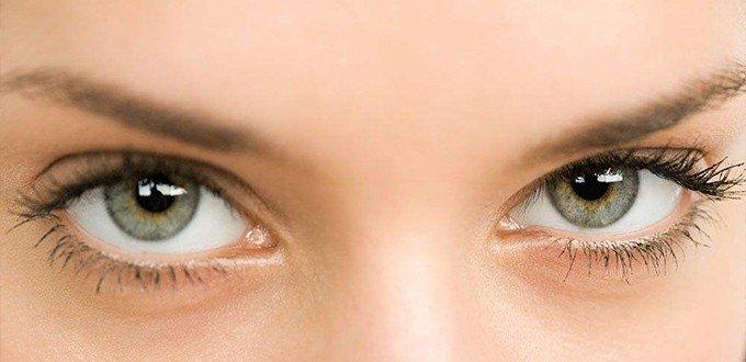 爱揉眼睛有七伤:角膜溃疡、加重近视…</