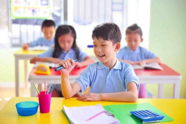 2018 年6月5日,北京,诺和诺德公司宣布,诺和笔易儿乐在中国获批。诺和笔易儿乐是一款同时拥有记忆功能及最小0.5单位注射剂量的胰岛素注射笔,它满足了儿童糖尿病患者对胰岛素精确注射的需求,帮助儿童患者及其家人更好的管理糖尿病,显著提高了胰岛素注射的安全性和有效性。 中国儿童及青少年糖尿病形势严峻,未被满足的需求日益明显 流行病学调查数据表明,在过去 20 年间, 中国儿童和青少年糖尿病患者中,90%为 1 型糖尿病(T1DM),其中 15 岁以下 T1DM 儿童发病率增加近 4 倍。值得注意的是, 随着