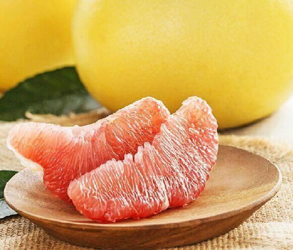 红心柚子特殊功效 堪称秋冬季的最佳水果