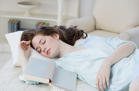 专家解读:周末狂睡容易诱发心脑血管病