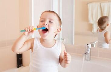 宝宝护牙要趁早 将健康武装到牙齿!
