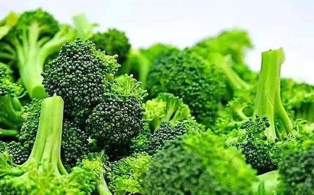 常吃这些食物不仅对皮肤好,还越吃越美!