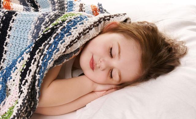 宝宝健康成长:宝宝睡觉的三大注意事项