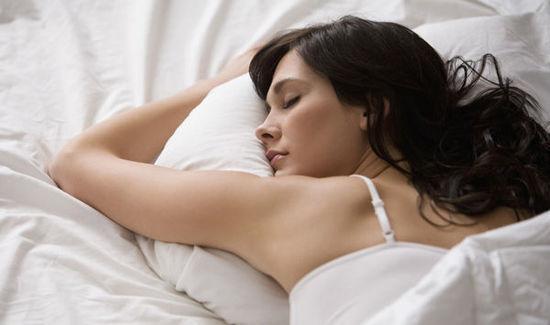 告诉20多岁的你 每天睡几个小时最好?