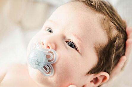 婴儿冬季护理 专家给你的窝心八建议