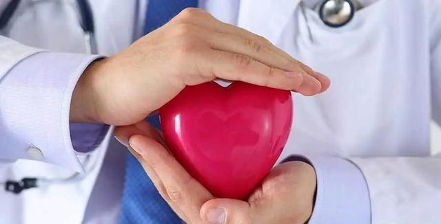 专家提醒:远离诱发心梗的10个危险时间