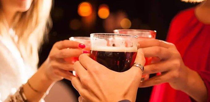 饭局应酬,为什么喝酒不能过量?</