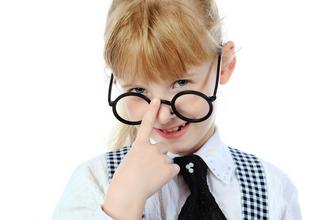 专家分析:近视会越戴眼镜度数越深吗?