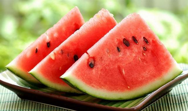 夏日饮食要清补 千万不要喝冷饮来消暑