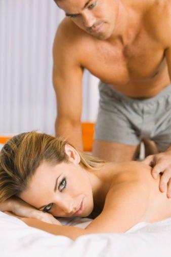 两性健康:90%的亲昵通过肢体语言来表达