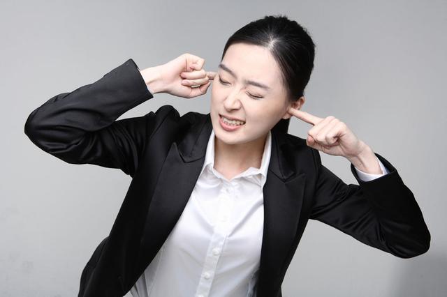 耳朵嗡嗡作响,原来是颈椎出了问题 !