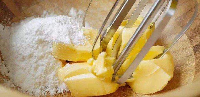 黄油是牛奶脂肪的浓缩!脂肪是牛奶的30倍</