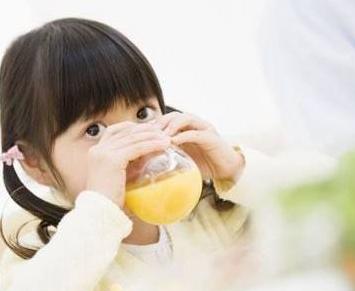 初夏饮料 你家宝宝喝得够健康吗?