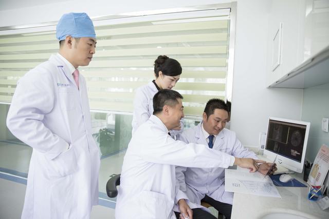 中国健康事业的发展与人权进步白皮书发布