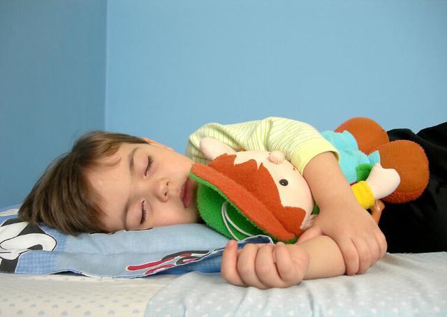 小孩烦躁、嗜睡 原因竟是患上糖尿病