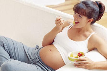 秋季孕妇如何预防便秘 需注意调整饮食