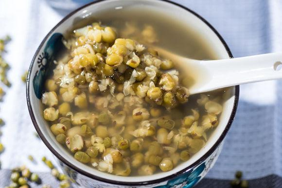 西瓜绿豆,夏季防暑必备的四款食物!