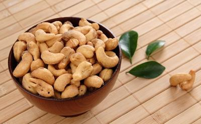 饮食健康:腰果适合素食者 老人易多食用