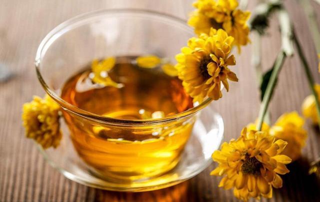 菊花茶清热解毒抗衰老,但这四类人不要喝