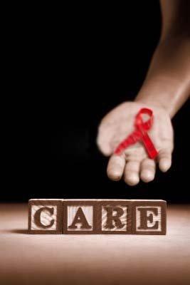 李克强:筑起防治艾滋病的防火墙 要依靠科学
