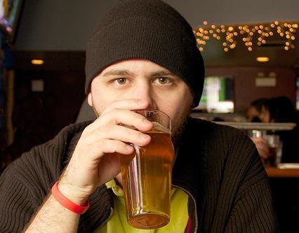 皮肤癌诱因:过量饮酒容易导致患皮肤癌