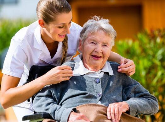 1亿退休人员养老金上涨5.5% 这些人可多涨点