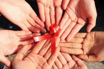 商务部:若艾滋病人进澡堂不传染将删规定
