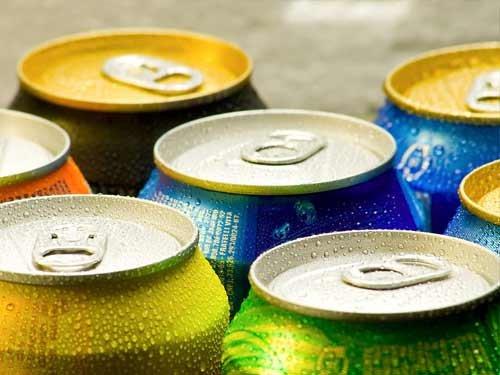 保健养生:碳酸饮料虽然好 多喝不利大脑