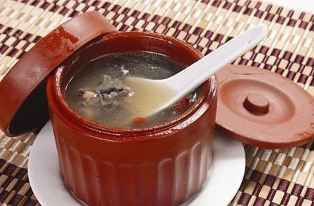 快到碗里来 各地传统月子餐PK