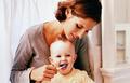 巧应对宝宝刷牙的三大难事