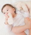 BB夏季易腹泻 牛奶可别喝太多